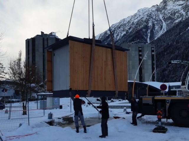Francioli installe des toilettes publiques à Chamonix