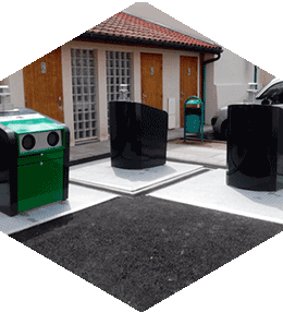 Conteneurs à poubelle enterrés