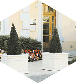 Chambord square concrete planter
