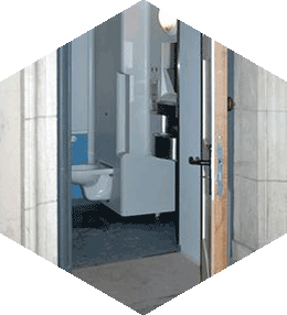 Integrable toilet for persons with reduced mobility 2